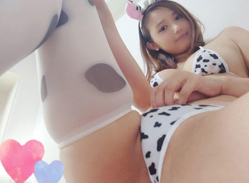 【DXLIVE】童顔系お姉さんゆみちゃん(azYUMIkii)が潮吹きでスゴイことに・・・